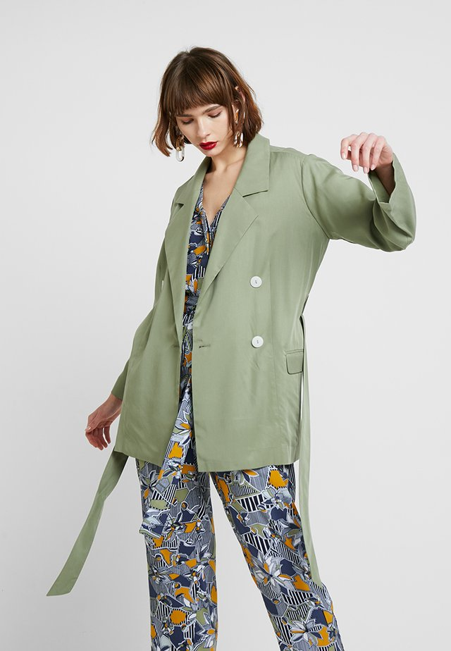 THE SERENA - Short coat - sage