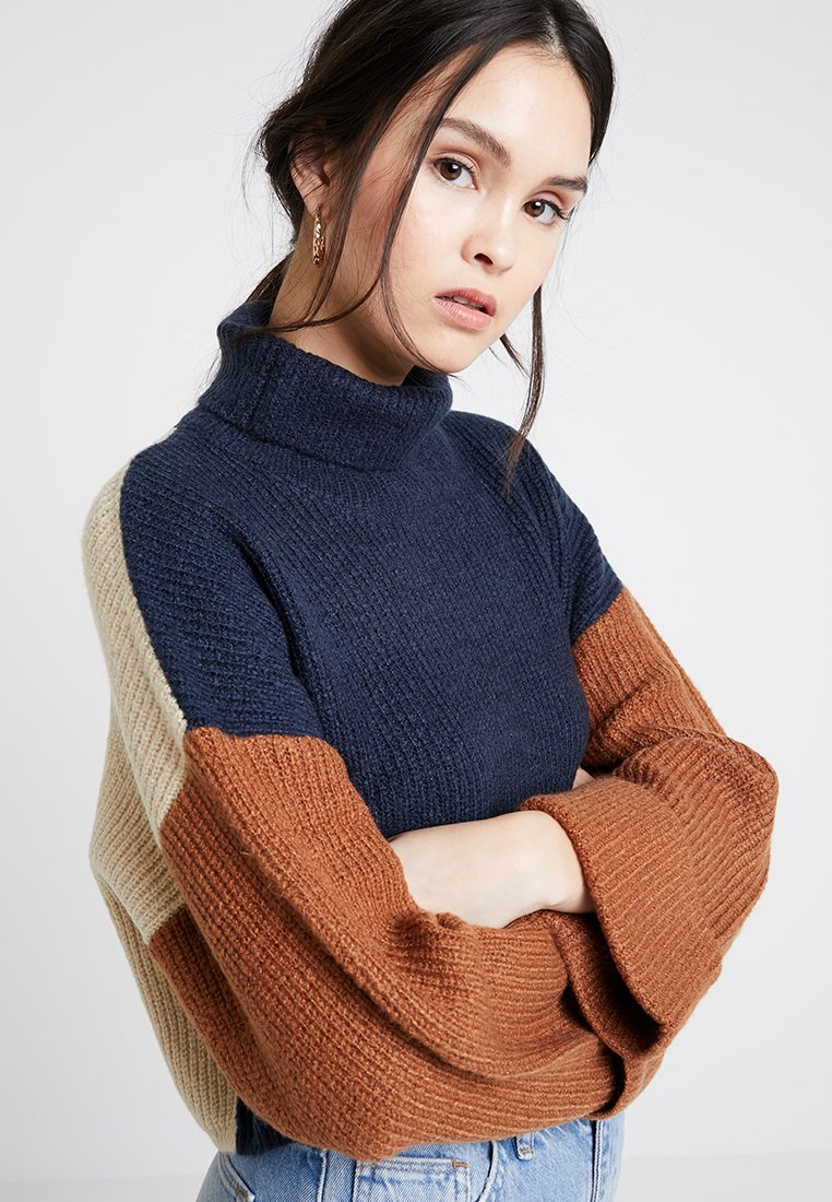 Native Youth - THE ROBYN - Strickpullover - navy/rust/off white
