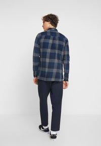 Native Youth - CLYDE SHIRT - Shirt - blue - 2