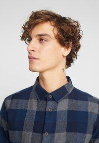 Native Youth - CLYDE SHIRT - Shirt - blue - 3