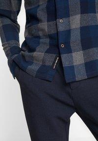 Native Youth - CLYDE SHIRT - Shirt - blue - 5
