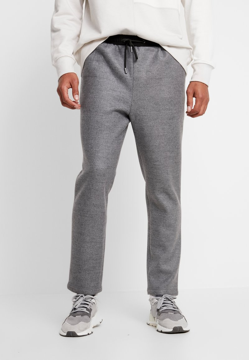 Native Youth - STRATUS PANT - Trousers - grey