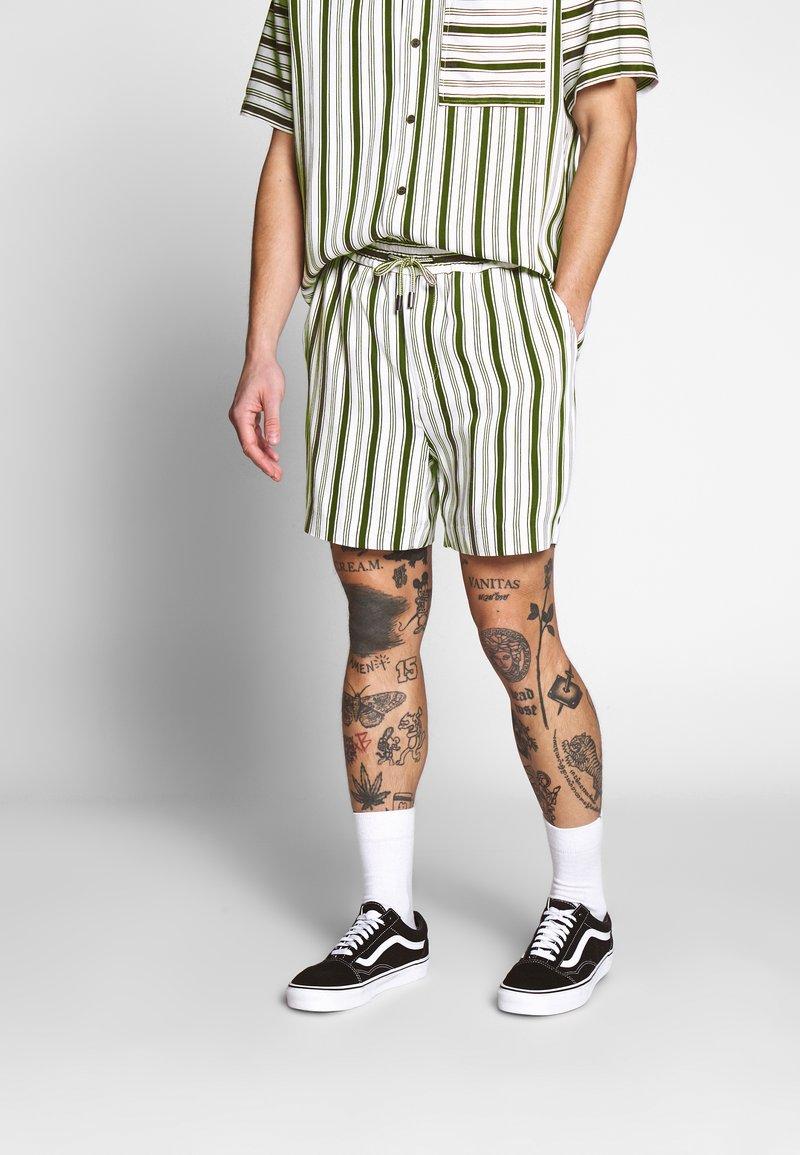 Native Youth - FARRELL - Shorts - white
