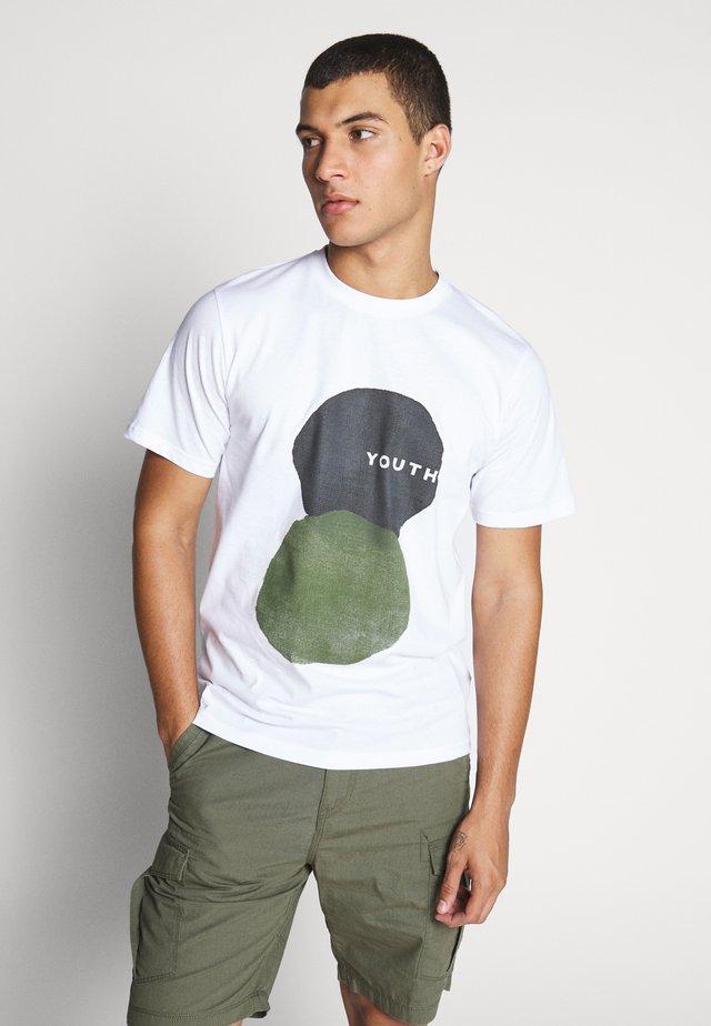 MITO - T-shirt med print - white