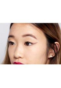 Nyx Professional Makeup - GLITTER GOALS LIQUID EYELINER - Eyeliner - 03 quartzy - 3