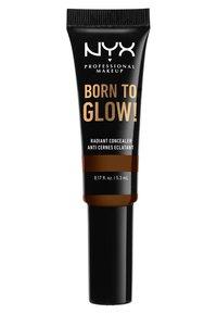 Nyx Professional Makeup - BORN TO GLOW RADIANT CONCEALER - Correcteur - 22.3 walnut - 1
