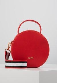 Nyze - Käsilaukku - red - 0