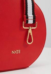 Nyze - Käsilaukku - red - 2