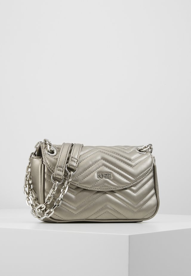 CROSSBODY BY LAURA JOELLE - Across body bag - silver