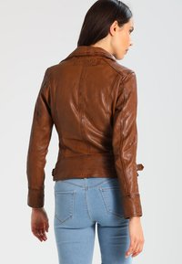 Oakwood - VIDEO - Leather jacket - tan - 2