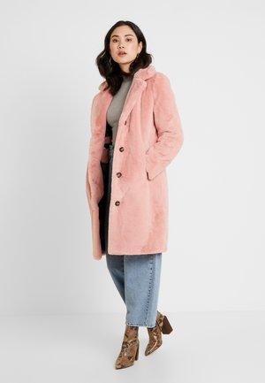 CYBER - Zimní kabát - old pink