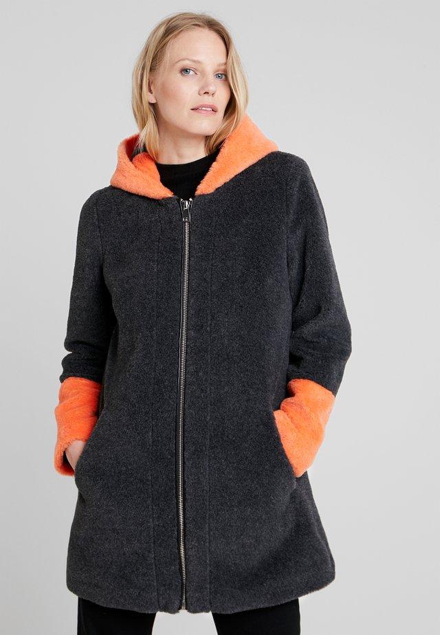 FABULOUS - Zimní kabát - bicolor