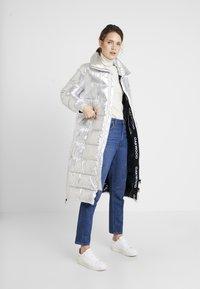 Oakwood - SPIRITUAL - Zimní kabát - silver - 1