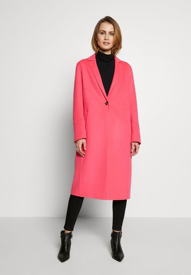 HELSINKI - Classic coat - candy