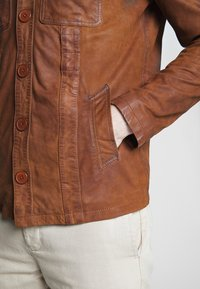 Oakwood - LEO - Veste en cuir - whisky - 4