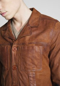 Oakwood - LEO - Veste en cuir - whisky - 5