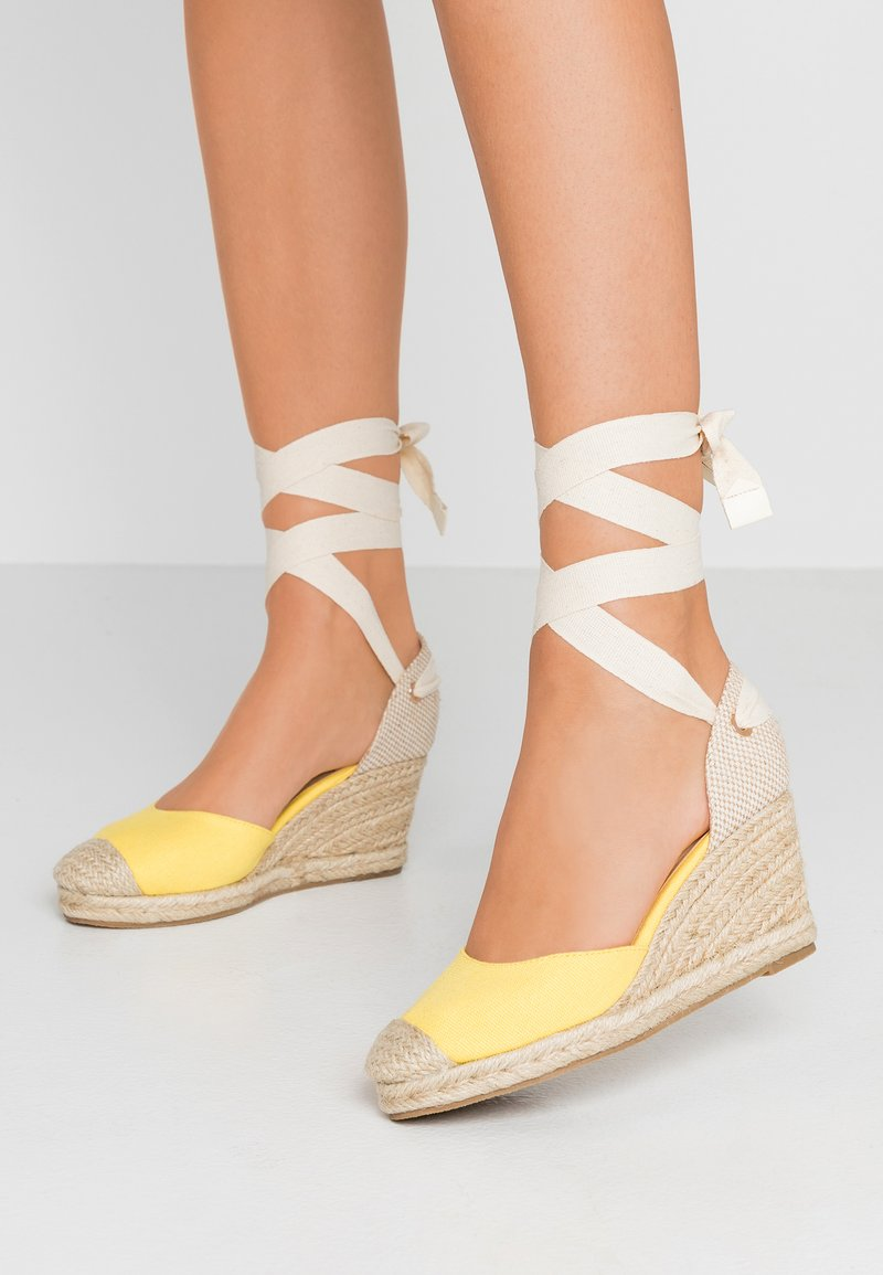 Oasis - WEDGE - Plateaupumps - bright yellow