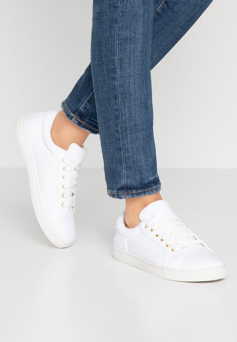 Oasis - DOBBY SPOT TRAINER - Sneakers laag - white