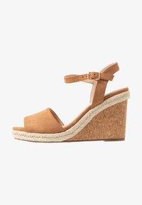Oasis - GRACIE WEDGE - Korolliset sandaalit - tan - 1