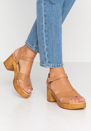 BLOCKHEELED - Clogs - tan