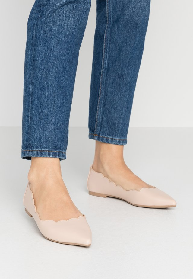 SCALLOP FLAT - Ballerine - light neutral