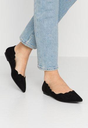 SCALLOP FLAT - Ballerina's - black