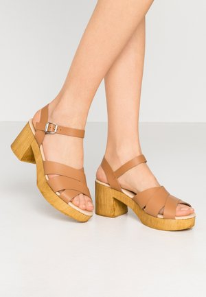 HEELED  - Sabots - tan