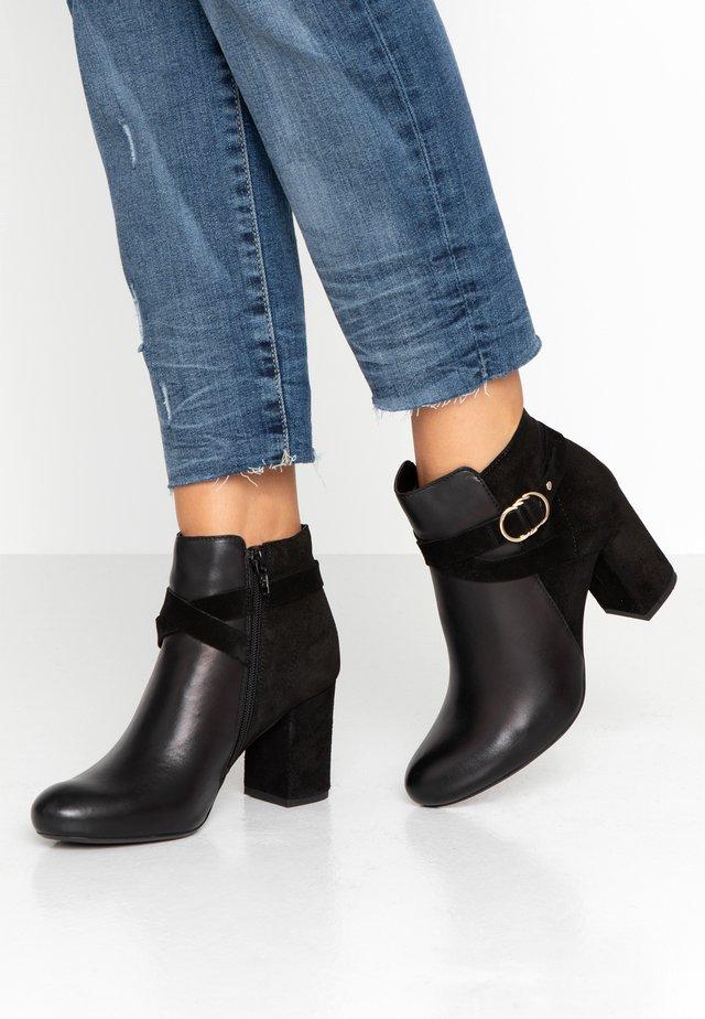 FIFI - Ankelstøvler - black
