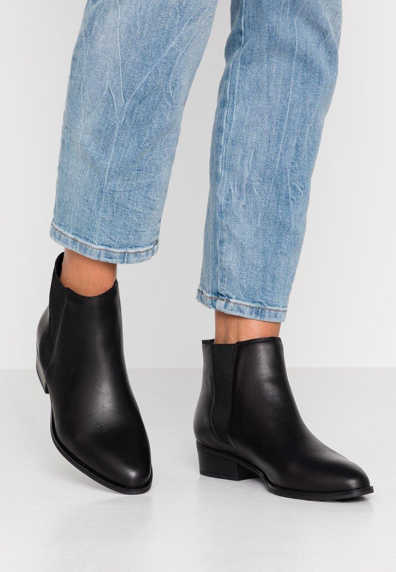 Oasis - ARTIE CHELSEA  - Boots à talons - black