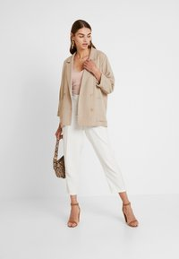 Oasis - SUIT TROUSER - Kalhoty - off white - 1