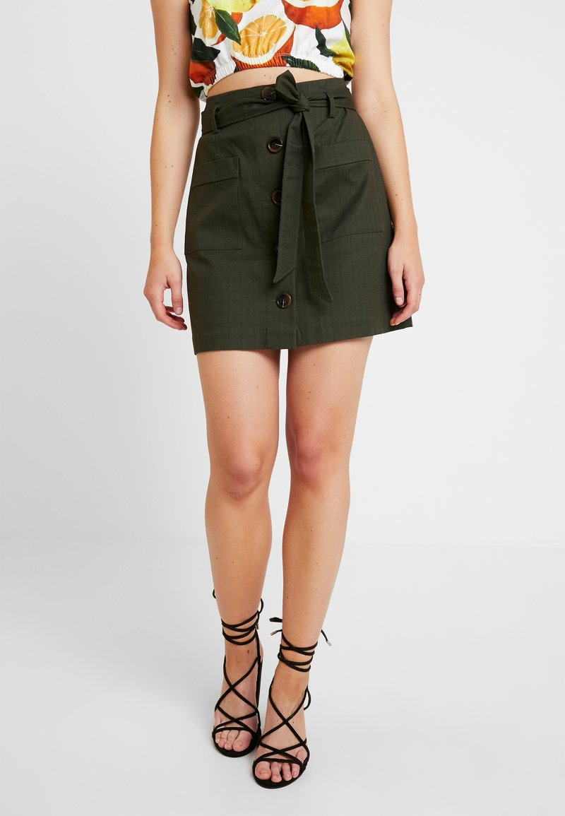 Oasis - PATCH POCKET BUTTON SKIRT - A-snit nederdel/ A-formede nederdele - khaki