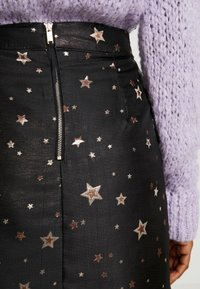 Oasis - STAR - Spódnica mini - black - 4