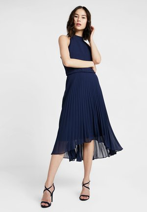 PLEATED MEGAN MIDI DRESS - Cocktailkjoler / festkjoler - navy