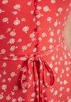 Oasis - PANSY PRINT SHEERED SKATER DRESS - Jersey dress - multi red