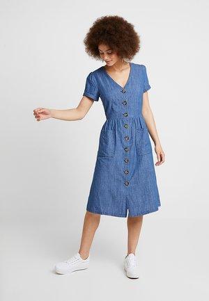 BUTTON THROUGH MIDI DRESS - Denim dress - blue