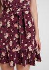 Oasis - ERIN ROSE WRAP SKATER DRESS - Jersey dress - multi/red
