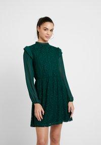 Oasis - DRESS - Sukienka koktajlowa - deep green - 0