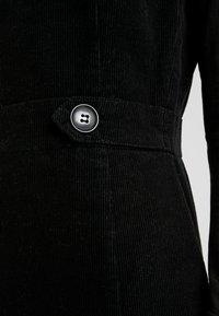 Oasis - SHIFT EXCLUSIVE - Denní šaty - black - 5