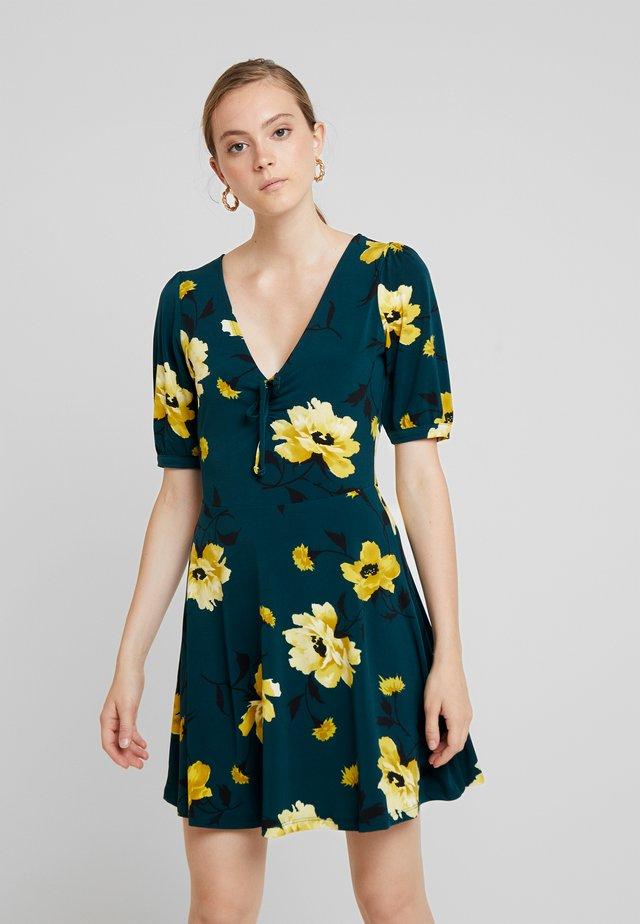FAUNA ROSE DRESS - Jersey dress - multi/green