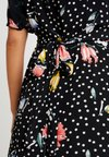 Oasis - AVERY FLORAL SPOT BUTTON THROUGH MIDI - Day dress - multi black
