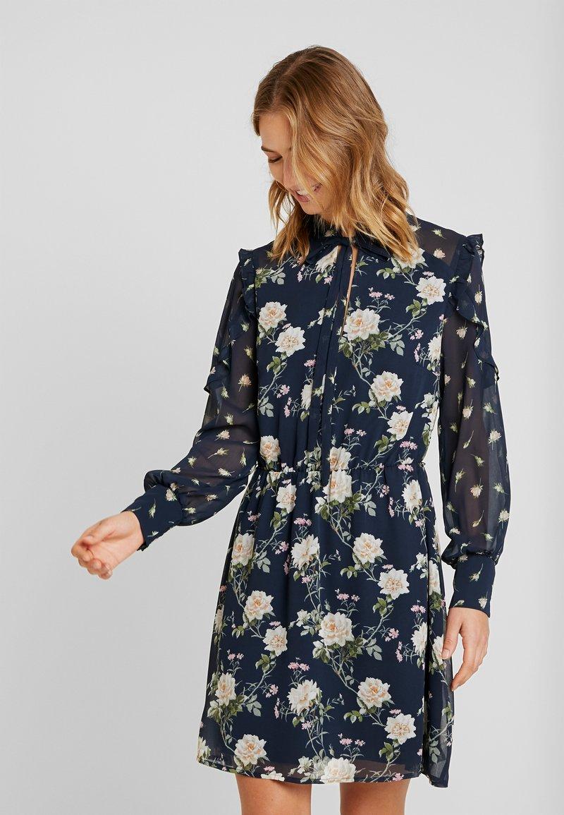 Oasis - LOGANBERRY PUSSYBOW BLOUSE DRESS - Vestito estivo - multi blue