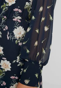 Oasis - LOGANBERRY PUSSYBOW BLOUSE DRESS - Vestito estivo - multi blue - 6