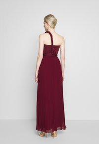 Oasis - PENNY WEAR IT YOUR WAY PLEATED MAXI - Occasion wear - burgundy - 2