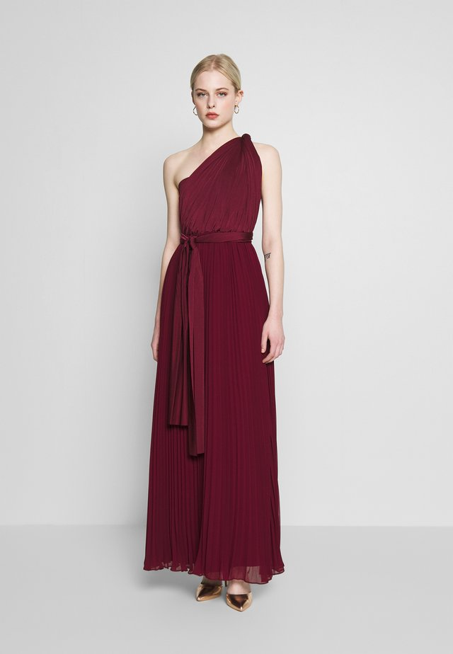 PENNY WEAR IT YOUR WAY PLEATED MAXI - Společenské šaty - burgundy