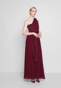 Oasis - PENNY WEAR IT YOUR WAY PLEATED MAXI - Occasion wear - burgundy - 1
