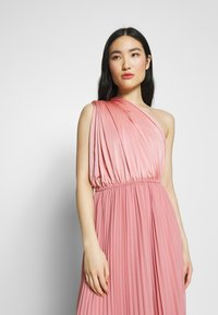 Oasis - PENNY WEAR IT YOUR WAY PLEATED MAXI - Iltapuku - pale pink - 3