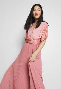 Oasis - PENNY WEAR IT YOUR WAY PLEATED MAXI - Iltapuku - pale pink - 7
