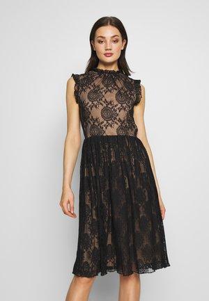 PLEATED DRESS - Freizeitkleid - black