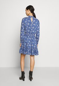Oasis - DITSY NECK DRESS - Hverdagskjoler - multi blue - 2