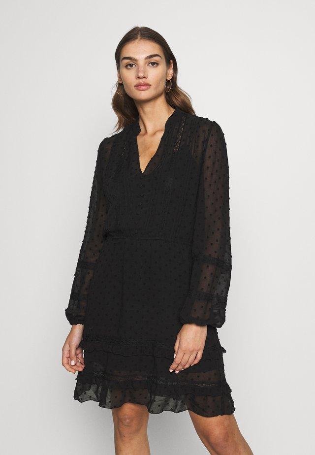 DOBBY LACE TRIM SHIRT DRESS - Hverdagskjoler - black